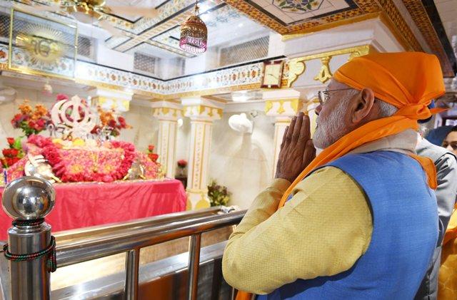 पीएम मोदी ने किया करतारपुर कॉरिडोर का उद्घाटन, श्रद्धालुओं का पहला जत्था रवाना