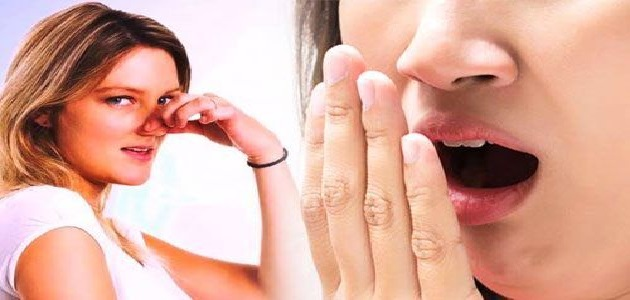 अगर आपके मुंह से भी आती है दुर्गंध तो जरुर अपनाएं ये देसी तरीका