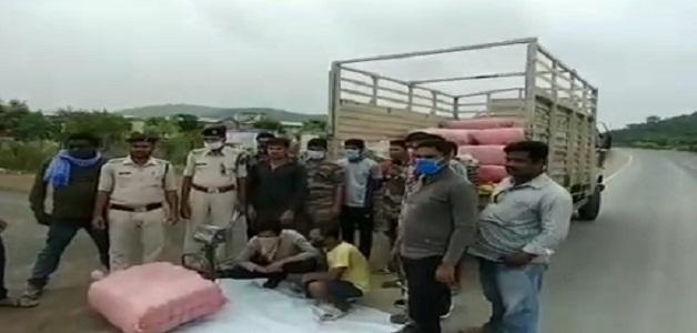 90 लाख रुपए के गांजे को पुलिस ने किया जब्त, दो आरोपियों को भी किया गिरफ्तार