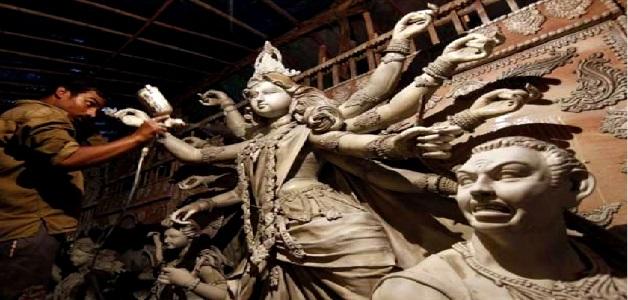 सरकार द्वारा लागू नियम से मूर्तिकारों को हुआ बड़ा नुकसान, मूर्तियों की ऊँचाई 6 फिट रखने की सहमति