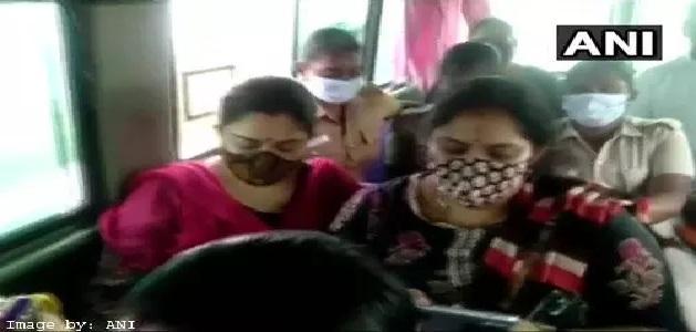 भाजपा नेता खुशबू सुंदर को पुलिस ने लिया हिरासत में