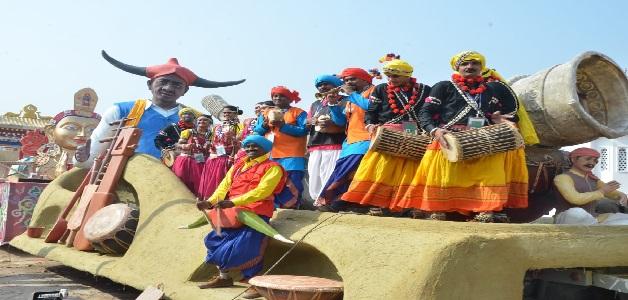 वाद्य यंत्रों पर आधारित छतीसगढ़ राज्य की झांकी को राष्ट्रीय मीडिया की मिली सराहना