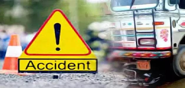 बाइक सवार को बचाने के लिए जब कार चालक ने लगाया ब्रेक, तब हुआ बड़ा हादसा