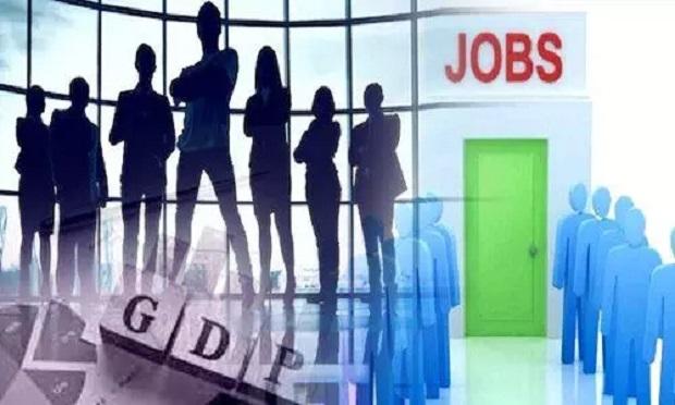 अर्थशास्त्रियों ने जताई उम्मीद- नौकरी के लिहाज से वित्त वर्ष 2021-22 में होगा काफी सुधार