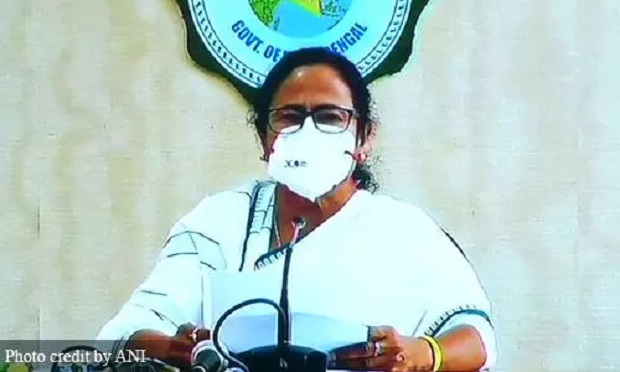 दुर्गा पंडाल में लगेगी ममता बनर्जी की मूर्ति, भाजपा ने कहा- मुख्यमंत्री के हाथ खून से रंगे