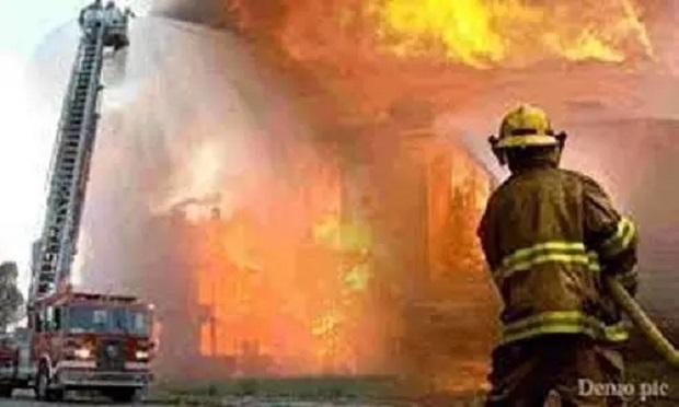 Delhi Fire: दिल्ली के LNJP अस्पताल में लगी आग, इमरजेंसी वार्ड से मरीजों को किया गया शिफ्ट