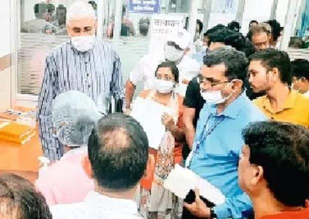 तीन मंत्रियों ने ली अफसरों की क्लास, डहरिया ने कहा- अस्पताल को बना रखा है मजाक
