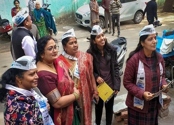 सुनीता केजरीवाल का कहना है कि इस बार आम आदमी पार्टी प्रदूषण और स्वच्छता को लेकर काम करेगी